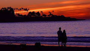 2476couple the beach during sunset pv